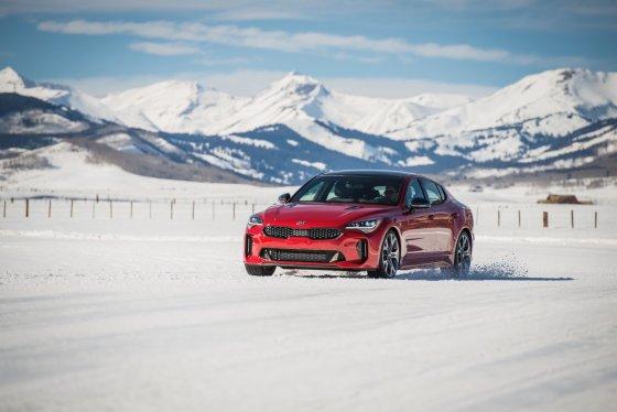 Kia Stinger AWD Ice Snow 3 560x374