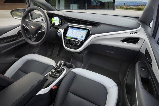 2018 Cherolet Bolt EV Interior 560x373