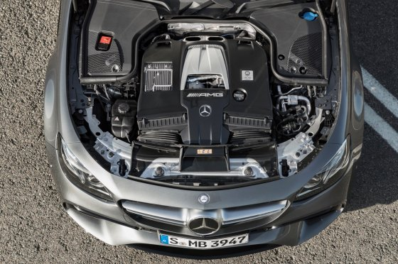 2018 Mercedes AMG E63 Performance 2 560x372