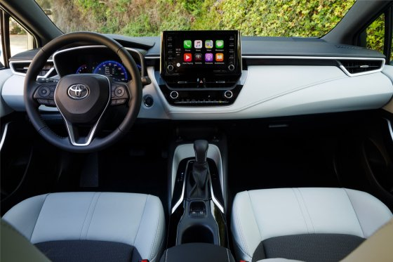 2019 Toyota Corolla Hatchback Interior 1 560x373