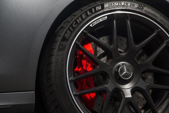 AMG Brakes Tires 560x373