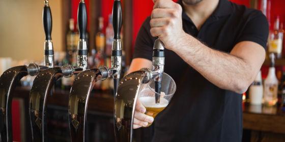 bartender beer 560x280