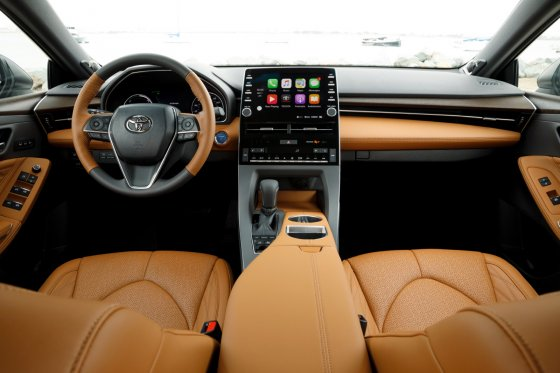 2019 Toyota Avalon Interior 1 560x373