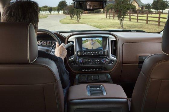 2018 Chevrolet Silverado Interior 560x373