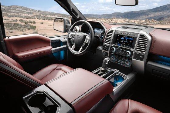 2018 Ford F150 Interior 560x373