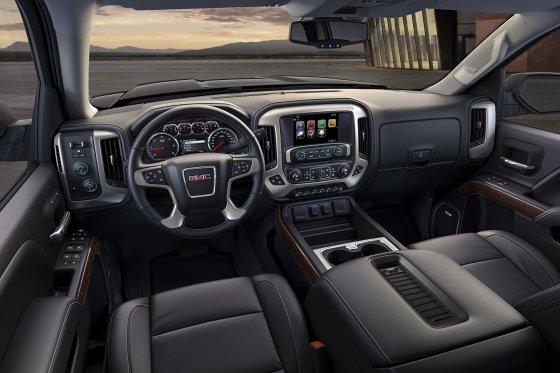 2018 GMC Sierra Interior 560x373