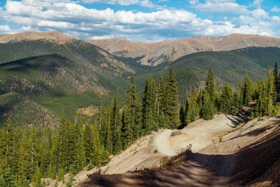 Colorado Climb Mountain 1 560x374