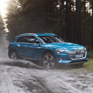 2019 Audi e-tron : World Premiere