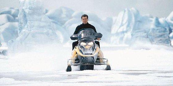 James Bond Snowmobile 560x280