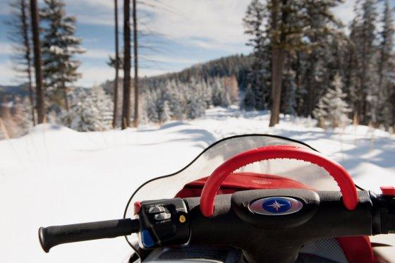 Montana Snowmobile 1 560x373