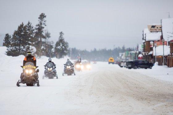 Montana Snowmobile 3 560x373