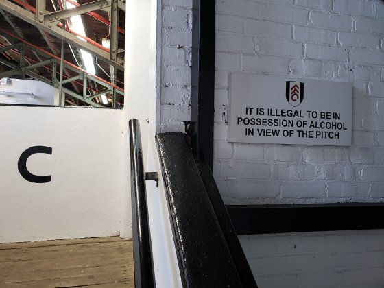 No beer in view of the pitch in english football 560x420