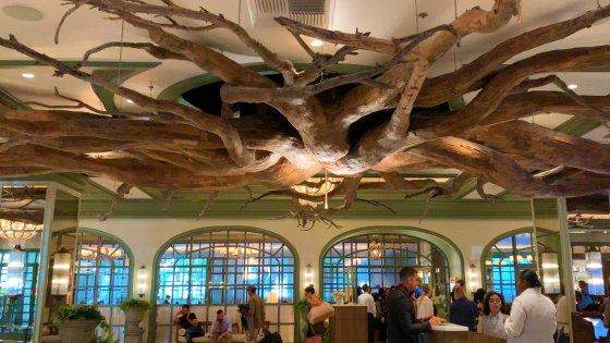 Park MGM Lobby 560x315