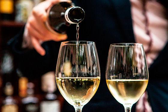 Wine2 560x373