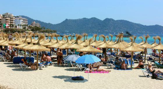 beach 867469 960 720 560x306