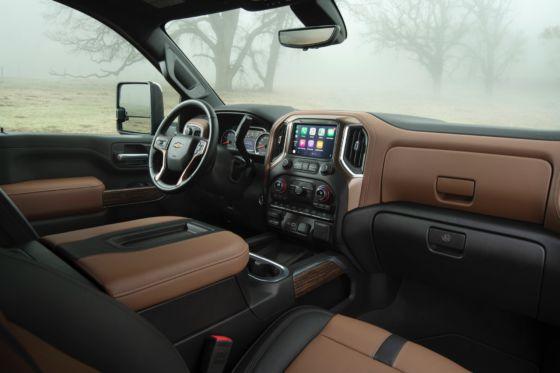 2020 Chevrolet Silverado HD 1 560x373