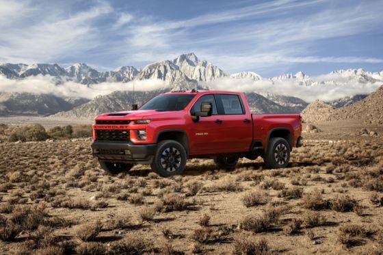 2020 Chevrolet Silverado HD 7 560x373