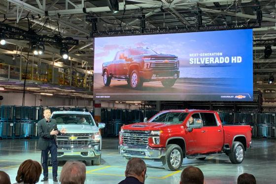 Silverado Unveil 560x373