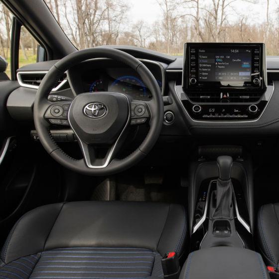 2020 Toyota Corolla XSE Interior 560x560