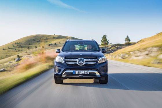 2019 Mercedes GLS 3 560x373