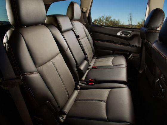 2019 Nissan Pathfinder Rockcreek Interior 4 560x417
