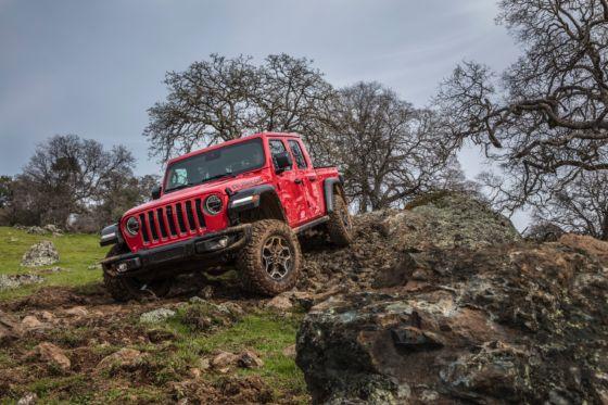 2020 Jeep Gladiator 8 560x373