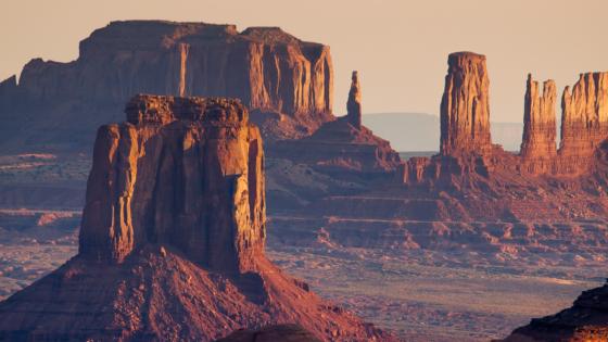 Monument Valley 560x315