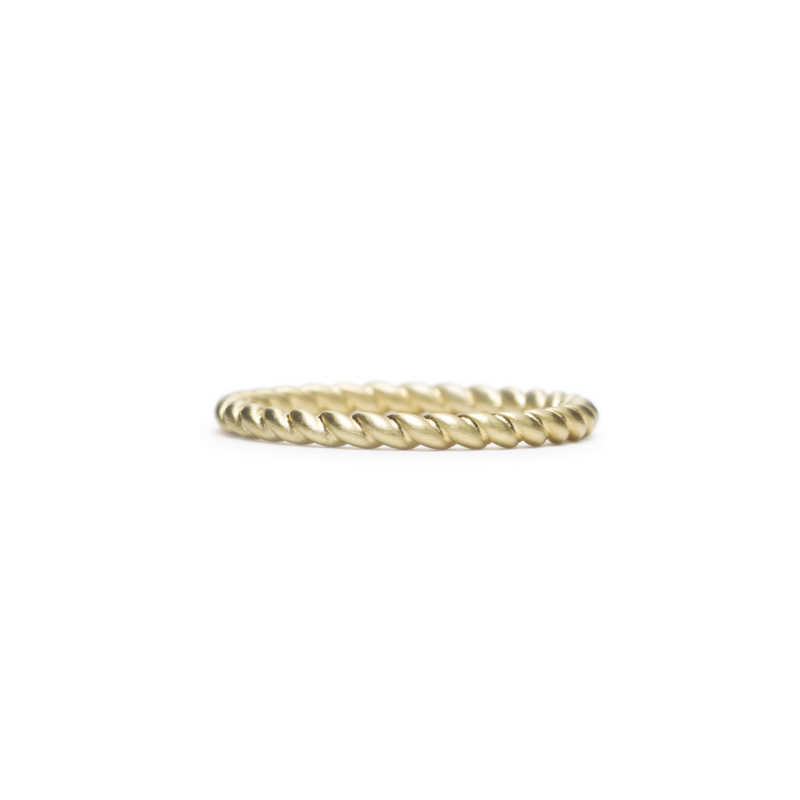 ILA Endless Twist Ring