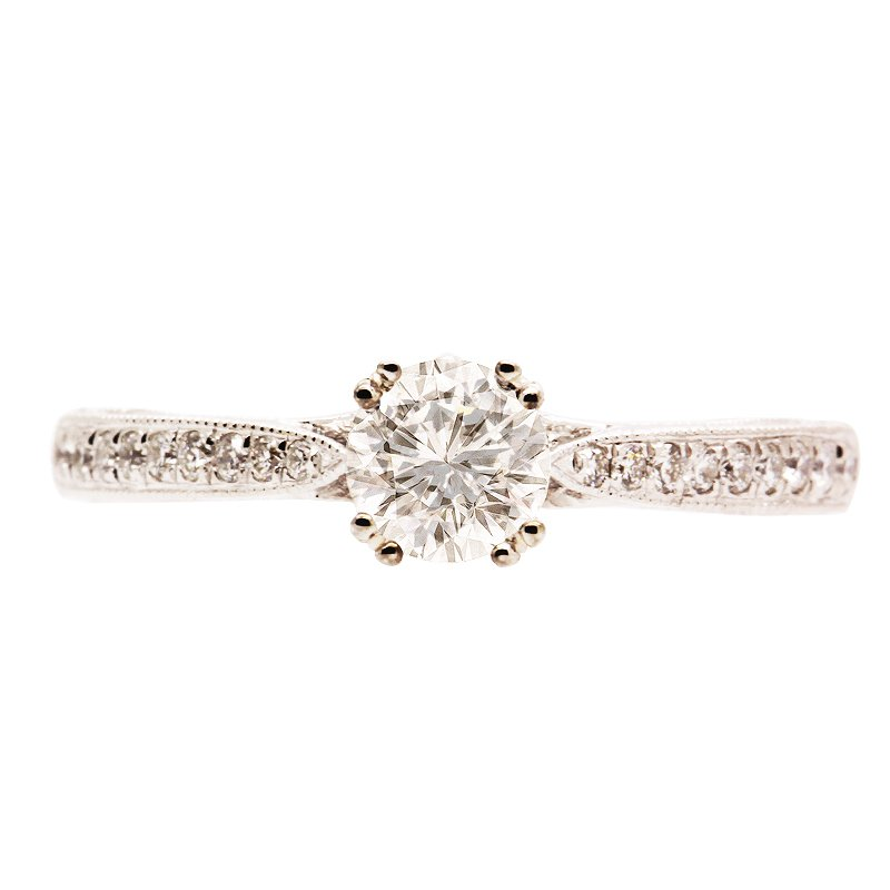 DECOÂge Elegant Solitaire Engagement Ring
