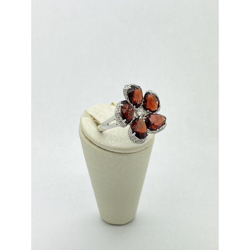 Jewelry Couture Exclusives Garnet Flower Ring
