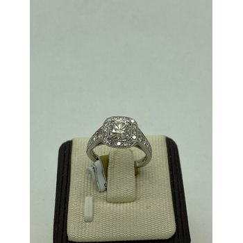 1CT Diamond Engagement Ring with Halo