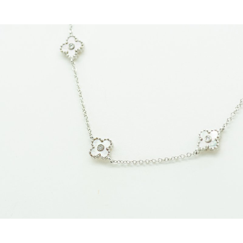 Jewelry Couture Exclusives Mother of Pearl Clover Necklace