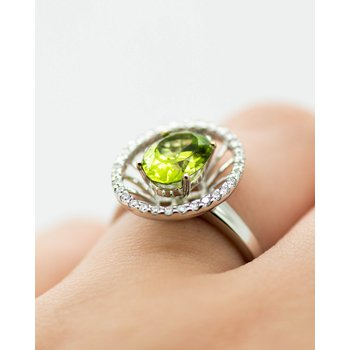 Statement Halo 14k White gold Peridot Ring