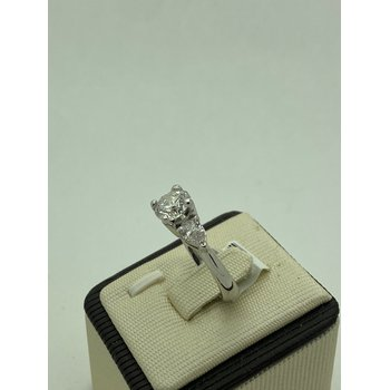 Stunning 3-Stone Diamond Ring