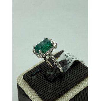 3.65CT Emerald Ring
