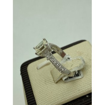 1.05ct Emerald Cut Engagement Ring
