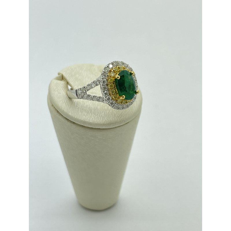 Jewelry Couture Exclusives Diamond and Emerald White Gold Ring