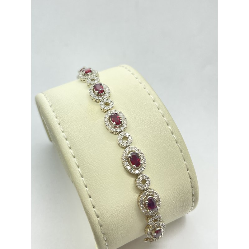 Jewelry Couture Exclusives Brilliant Diamond and Oval Ruby Bracelet