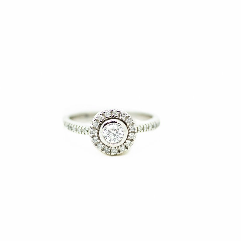 Jewelry Couture Exclusives Vintage Style Round Halo Engagement Ring