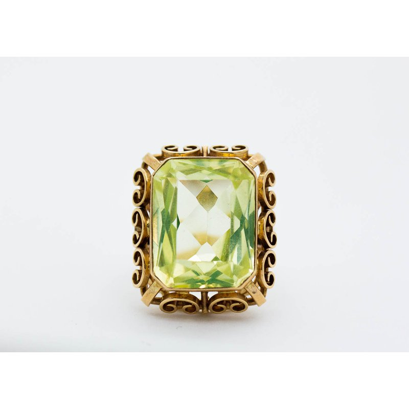 Estate Jewelry Green Crystal Vintage Ring