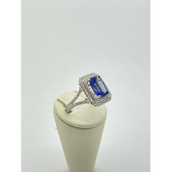 Tanzanite and Diamond Square Ring