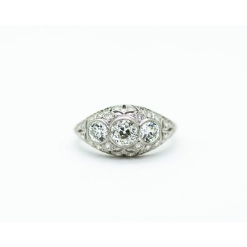Diamond and Platinum Estate Ring