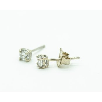 14k White Gold 0.31ct Diamond Studs