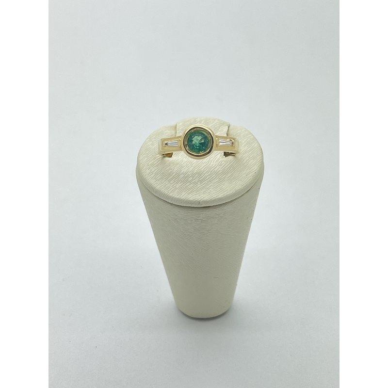 Jewelry Couture Exclusives Round Emerald and Diamond Ring