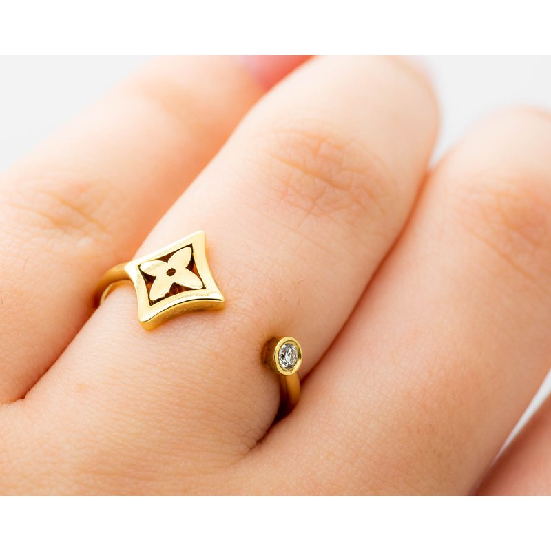 Jewelry Couture Exclusives 18k Yellow Gold Diamond Star Ring