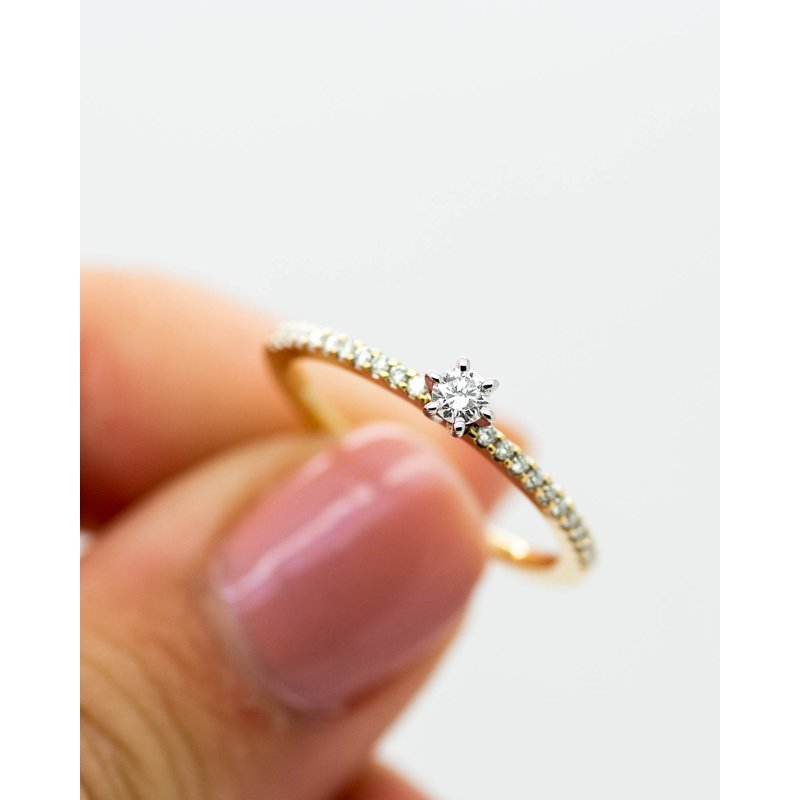 Jewelry Couture Exclusives Delicate Diamond Yellow Gold Ring