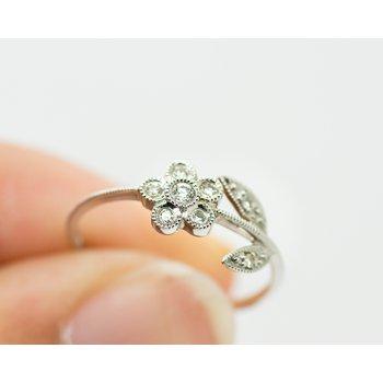 Dainty Daisy Diamond White Gold Ring