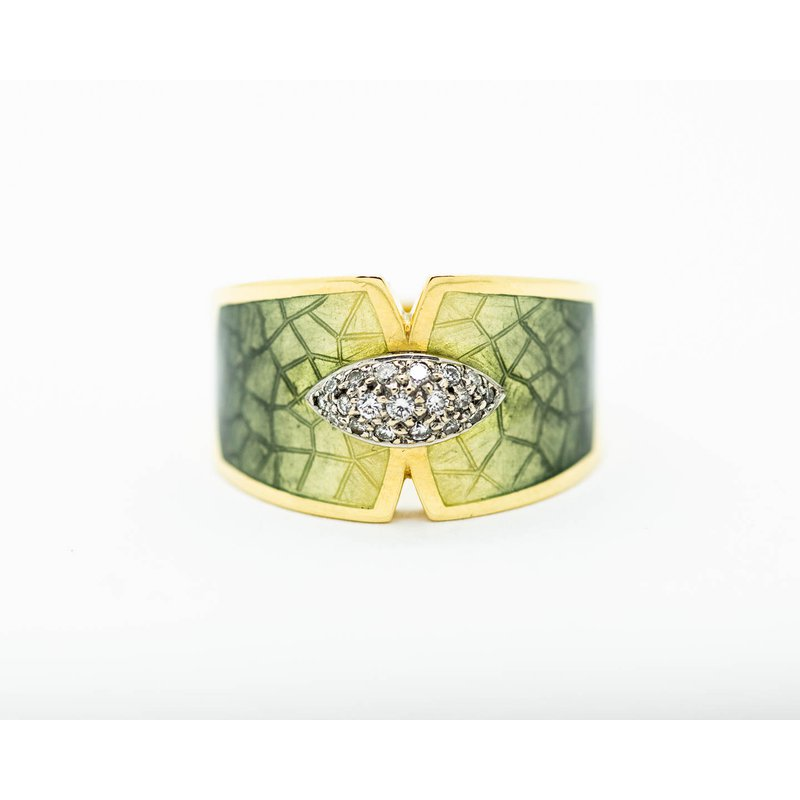 Estate Jewelry Yellow Gold Enamel Ring