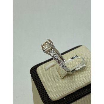 Stunning 1.57CT Engagement Ring