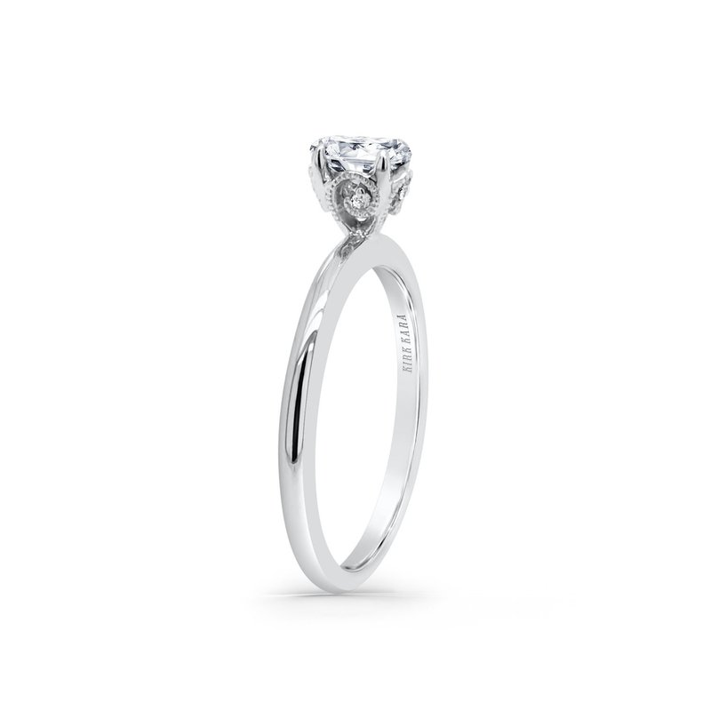 Oval Solitare Diamond Engagement Ring